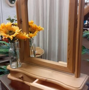 Table top mirror to raise money for charity