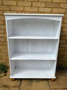 The bookshelf before starting work