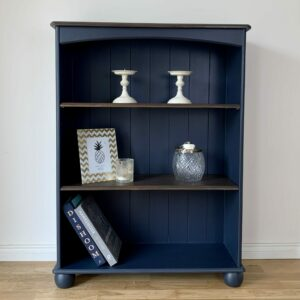 Transforming a free bookshelf with a navy blue makeover