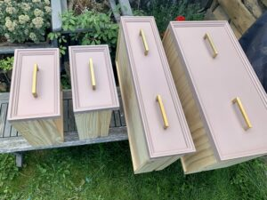 Finished drawers complemented by the gold handles
